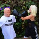 Courtney Stodden – Takes shots at her ex Doug Hutchinson punching shirt in Beverly Hills - 454 x 402