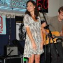 Minnie Driver Performs Live From Her New CD At J&R Music World 2007-07-25