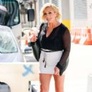 Jane Krakowski – Out and about in New York City - 454 x 717