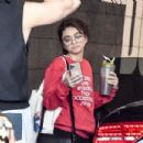 Sarah Hyland – Seen while leaving the Dogpoung Gym in West Hollywood