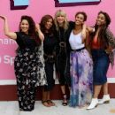 Taylor Swift – Visits her 'Lover' mural installation in NY - 454 x 349