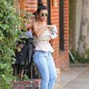 Kourtney Kardashian – Seen Out in Los Angeles - 454 x 599