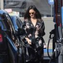 Olivia Munn – Spotted pumping gas in Los Angeles - 454 x 657
