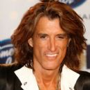 Joe Perry poses in the press room during the American Idol Season 6 Finale held at the Kodak Theatre on May 23, 2007 in Hollywood, California - 403 x 594
