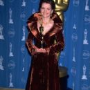 Juliette Binoche attend the 69th Annual Academy Awards ceremony March 24, 1997 - 454 x 676
