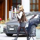 Kelly Rohrbach Out for shopping in St. Moritz - 454 x 477