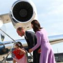 Prince Windsor and Kate Middleton in Hamburg Airport - 396 x 600