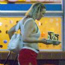 Kate Hudson – Filming night scenes for 'Mona Lisa and the Blood Moon' in New Orleans