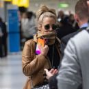Caroline Flack flees the UK - 454 x 613