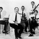Cyril Davies All Stars - left to right: Nicky Hopkins, Cyril Davies, Carlo Little, Rick Brown and Bernie Watson (1962) - 350 x 276