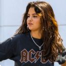 Selena Gomez – Out in Santa Monica