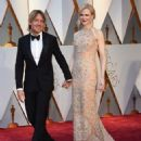 Keith Urban and Nicole Kidman At The 89th Annual Academy Awards - Arrivals (2017) - 454 x 568