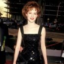 Molly Ringwald during The 59th Annual Academy Awards (1987) - 411 x 612