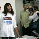 Naomi Campbell Supporting The Campaign Against Dengue In Rio 2008-04-15