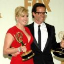 Kate Winslet and Guy Pearce At The 63rd Primetime Emmy Awards (2011) - 454 x 349