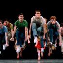 Broadway Dancers - 454 x 364