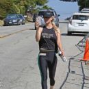 Kaley Cuoco – Hits the gym in LA - 454 x 585