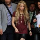 Shakira – Leaving the Lyric Theater in Manhattan 05/16/2017 - 454 x 862