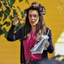 Alyssa Milano – On the set of 'Tempting Fate' in Vancouver - 454 x 681