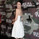 Jessica Pare – 'SEAL Team' Premiere in Los Angeles - 454 x 670