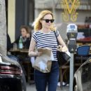 Heather Graham at Burger Lounge in LA - 454 x 506