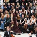 Benedict Cumberbatch-September 21, 2015-Burberry Womenswear Spring/Summer 2016 - Front Row & Runway - 454 x 294