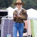 Amber Heard – Spotted at the Silverlake Farmers Market in Los Angeles