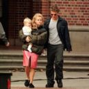 Reese Witherspoon and Ryan Phillippe - 454 x 394