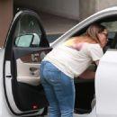 Jennifer Love Hewitt – Out in Santa Monica - 454 x 681