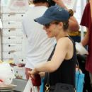 Rachel McAdams at Farmer's Market in Studio City - 454 x 681