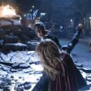 Supergirl S03E09 - 454 x 303