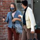 Jodie Foster – With Alexandra Hedison – Out for a lunch at Gjelina in Venice - 454 x 728