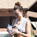 Alessandra Ambrosio in Leggings at a Nail Salon in Brentwood - 454 x 554