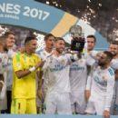 Real Madrid v FC Barcelona - Supercopa de Espana: 2nd Leg - 454 x 302