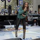 """Alicia Keys - Performs On The NBC """"Today"""" Show, New York - 24/11/09"""