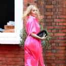 Kylie Minogue – In an electric pink silk outfit in South London - 454 x 740