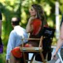 Madchen Amick Madchen Amick On The Set Of Gossip Girl Set On Long Island 2008-06-25 - 454 x 669