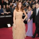 Kristen Wiig At The 84th Annual Academy Awards - Arrivals (2012) - 396 x 594