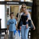 Kate Hudson: at Giraffe restaurant in Belsize Park