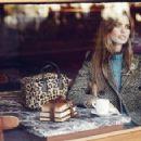 Elle Spain October 2015 - 350 x 228