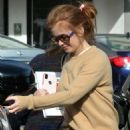 Isla Fisher – Out for lunch in Studio City - 454 x 641