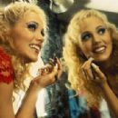 Showgirls - 454 x 303