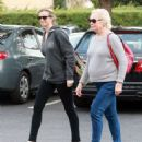 Amy Smart enjoys a day of shopping with her mom Judy in West Hollywood, California on December 15, 2014 - 454 x 526