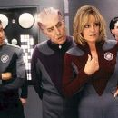Tim Allen, Alan Rickman and Sigourney Weaver with a Thermian in Dreamworks' Galaxy Quest - 12/99