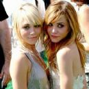 Mary-Kate And Ashley Olsen Twins - 340 x 425