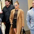 Jennifer Lopez – Leaving TRL in New York