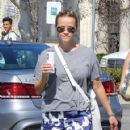 Reese Witherspoon is seen going to the market with husband Jim Toth in Los Angeles, California on June 19, 2016 - 421 x 600