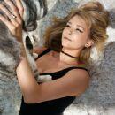 Haley Bennett - Elle Magazine Pictorial [United States] (December 2016) - 454 x 567