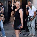 Amber Valletta – Arriving at Vogue Dinner Party in Paris - 454 x 681