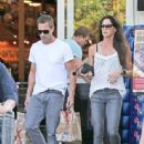 Aaron Eckhart spotted at Bristol Farms on Beverly Hills, California on August 5, 2016